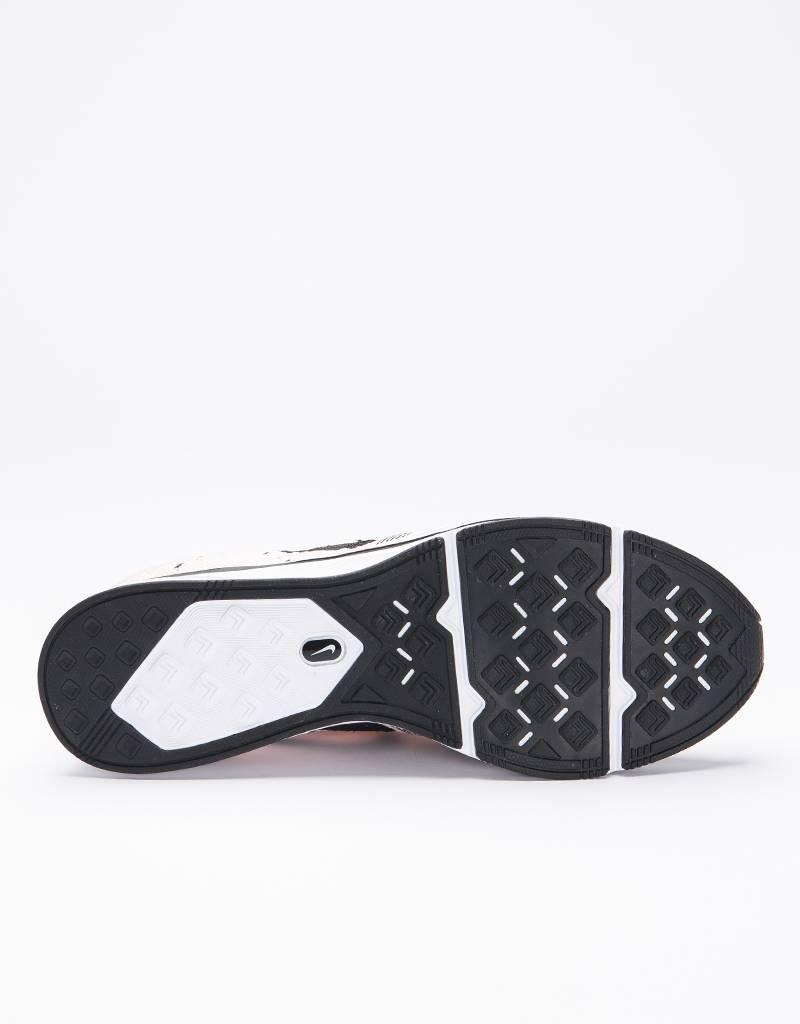 Nike Flyknit Trainer Sunset Tint/Black White