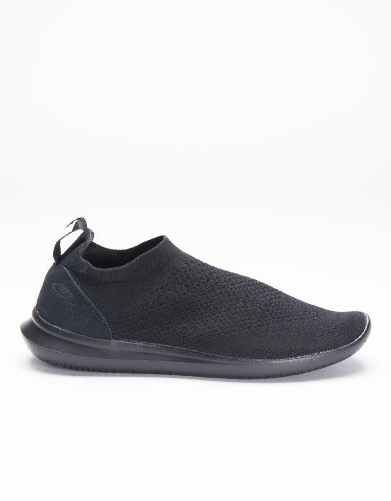 Nike Gakou Flyknit Black/Black