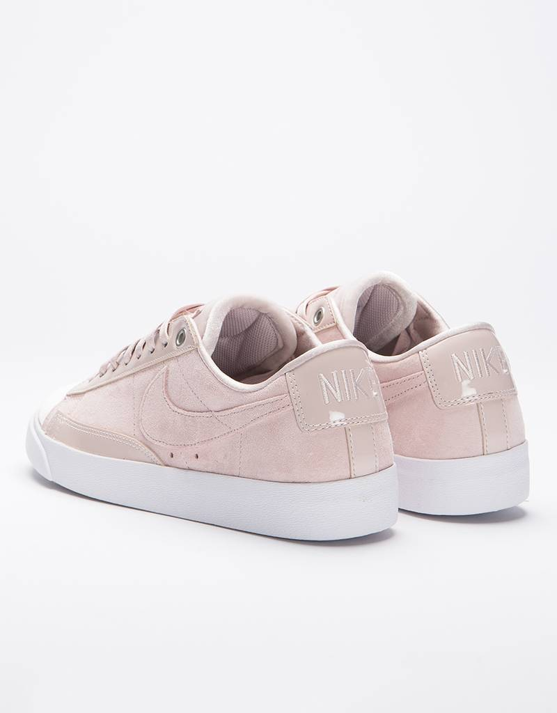 Nike Women's Blazer Low LX  Silt Red/Lt Orewood Brn-White