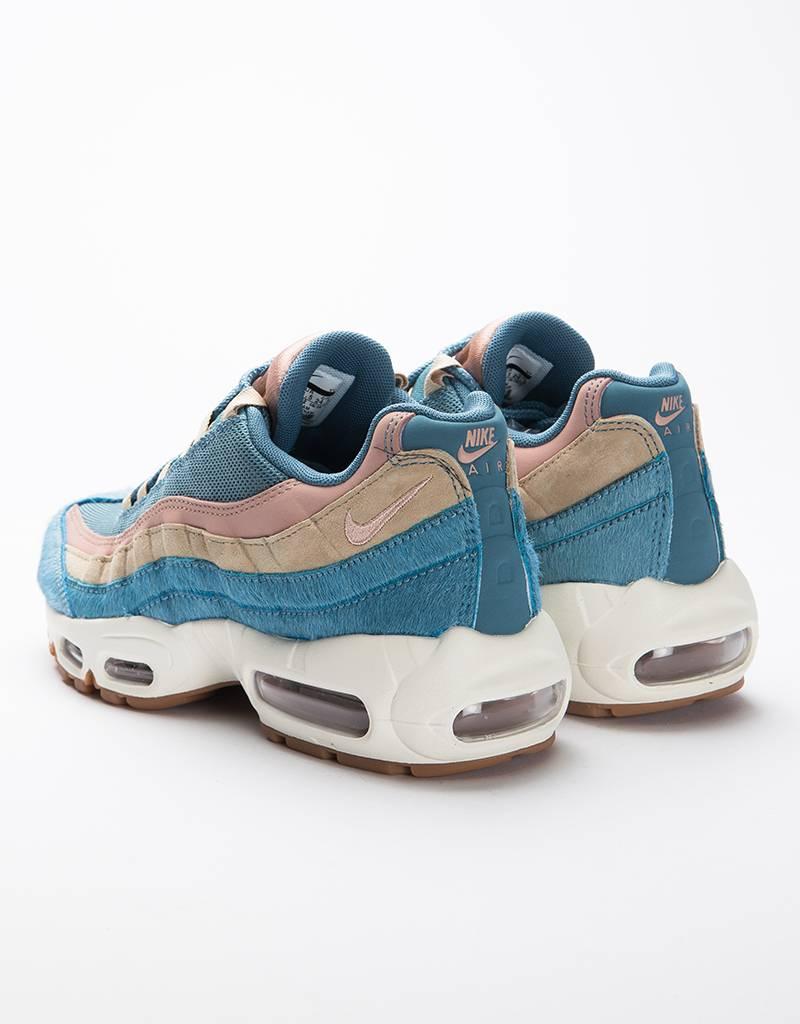 Nike Women's Air Max 95 LX Shoe Smokey Blue/Smokey Blue-Mushroom