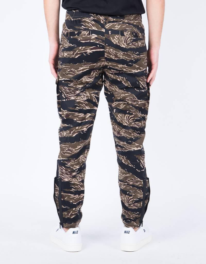 NikeLab Tiger Camo Pant aop khaki/Golden Beige/Gorge Green/Black