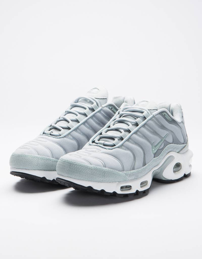 Nike Air Max Plus Premium WMNS Light Pumice/ Light Pumice LYfeBT