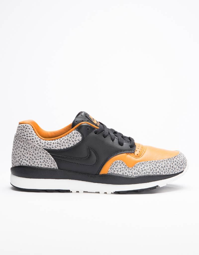 Nike Air Safari QS black/black-monarch-cobblestone