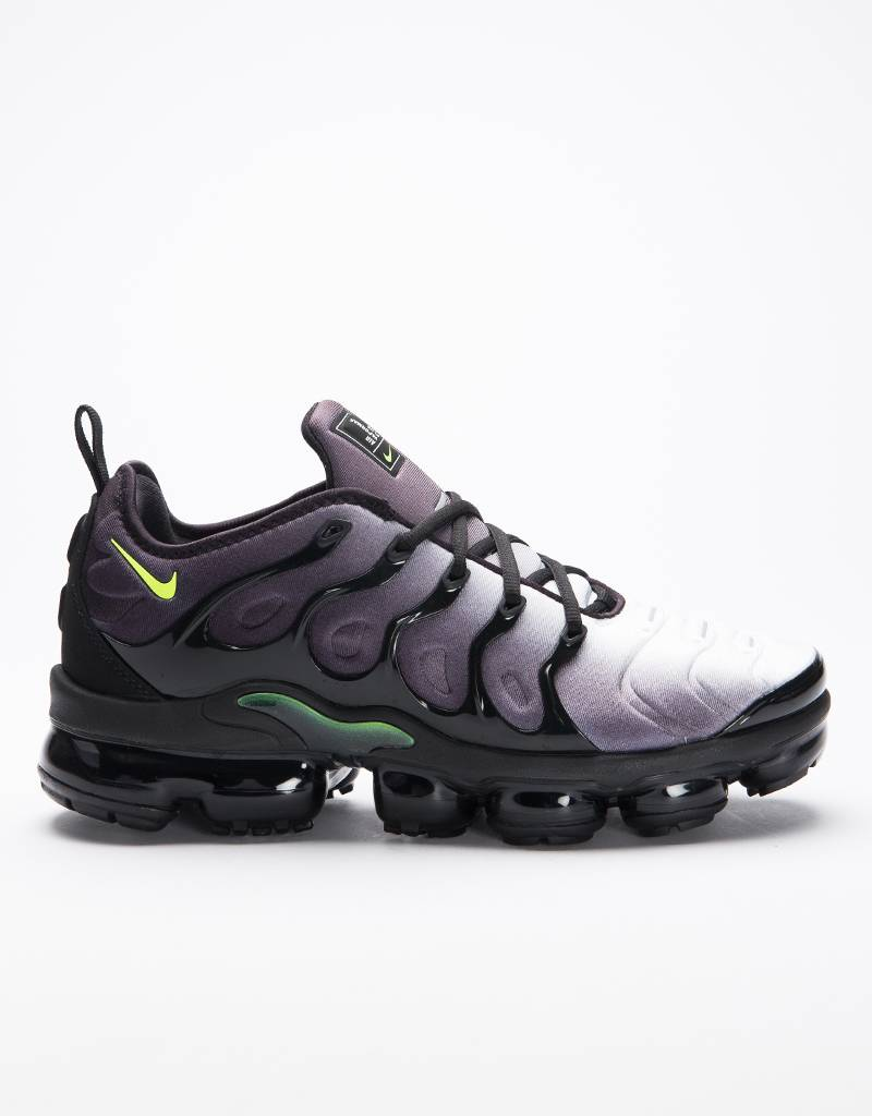 Nike Air Vapormax Plus Black/volt-white