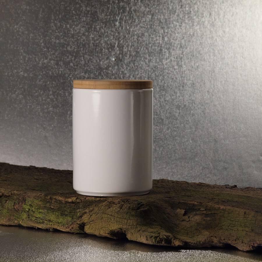 Kleine Keramikdose mit Holzdeckel