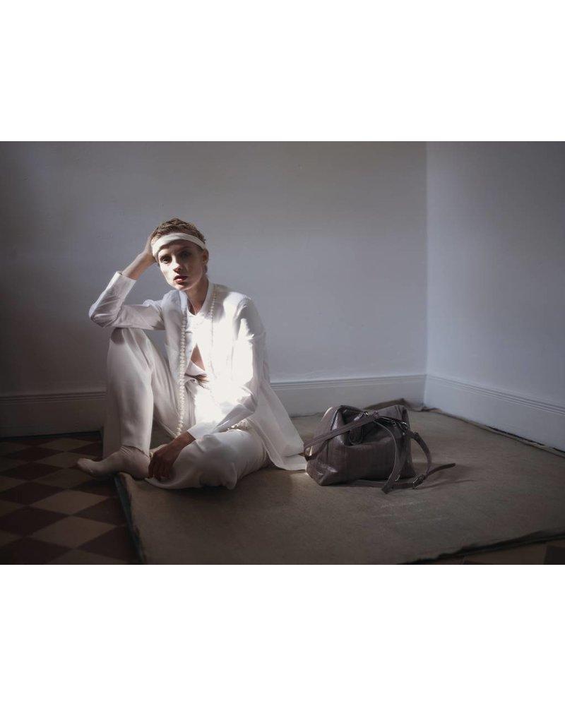 Cleopatra Handtasche mittelbraun mit silbernem Reissverschluss