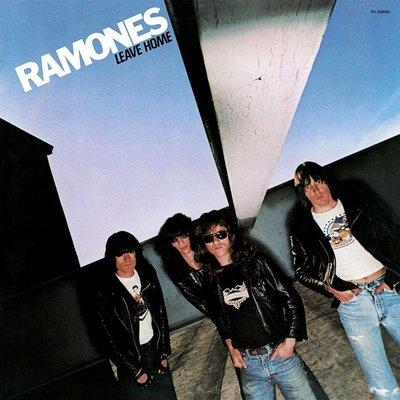 c28cebd099 Ramones - It's Alive (LP-Vinyl) kopen bij Vinyljunk - Koop je ...