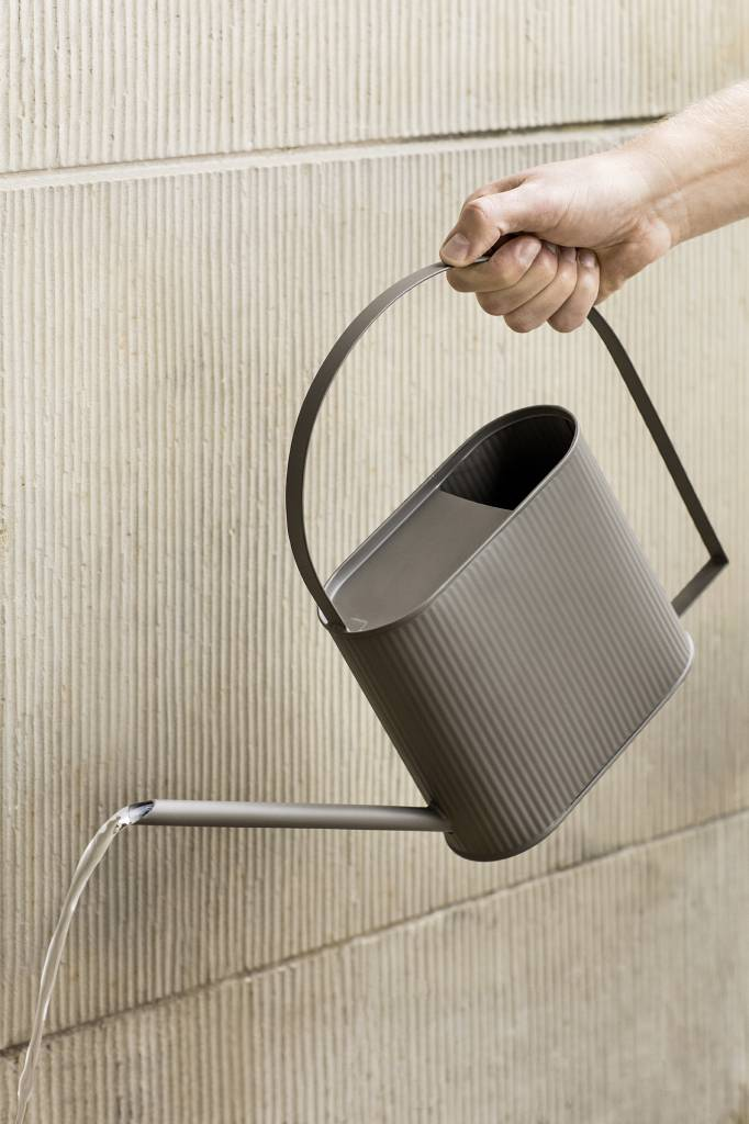 ferm LIVING ferm LIVING Bau Watering Can - Warm Grey - Large