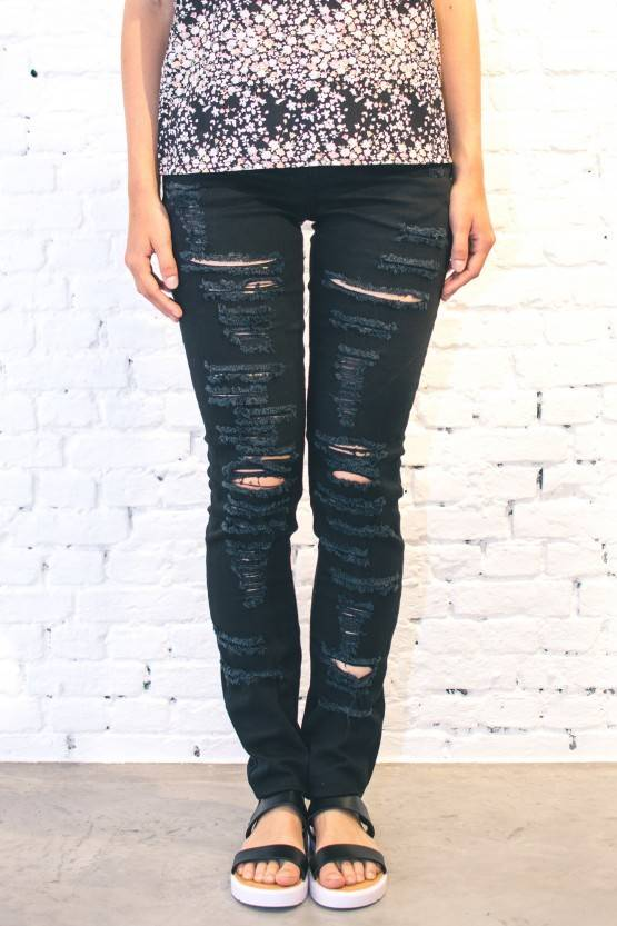 JEANS – HEAVY RIPPED BLACK