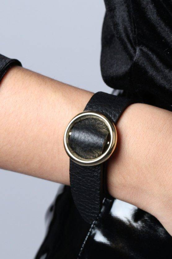 BOLD BLACK FAUX LEATHER CIRCLE BRACELET