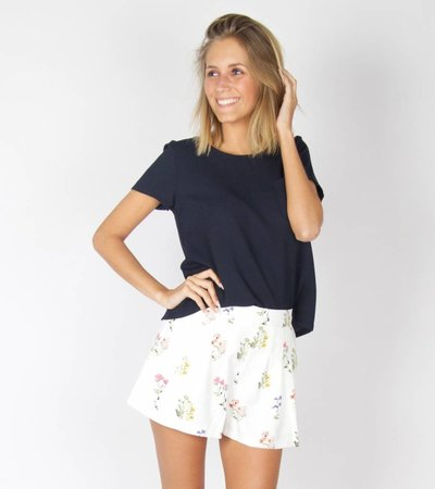LITTLE FLOWER SHORT WHITE