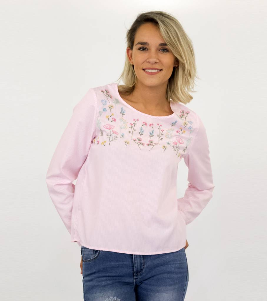 SAY YES TO FLOWERS BLOUSE PINK