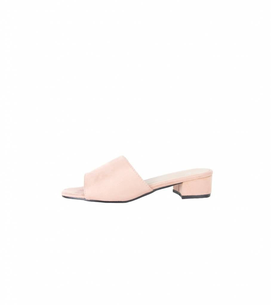 SLIP ON LOW LADY HEEL PINK