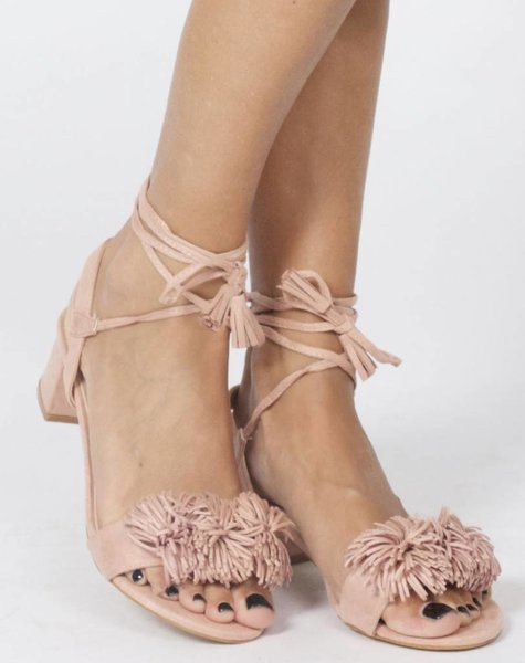 PINK FRINGY LOW HEELED SANDAL