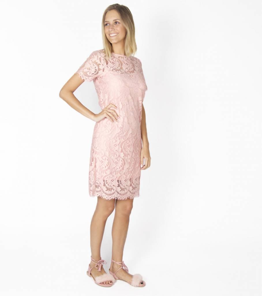 ROMANTIC GIRLY LACE PINK DRESS