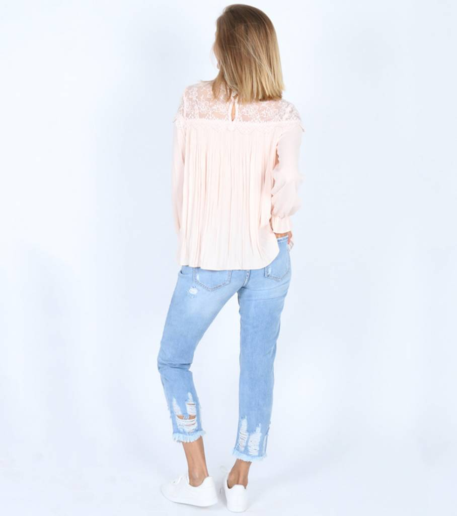 POWER PINK LACE BLOUSE