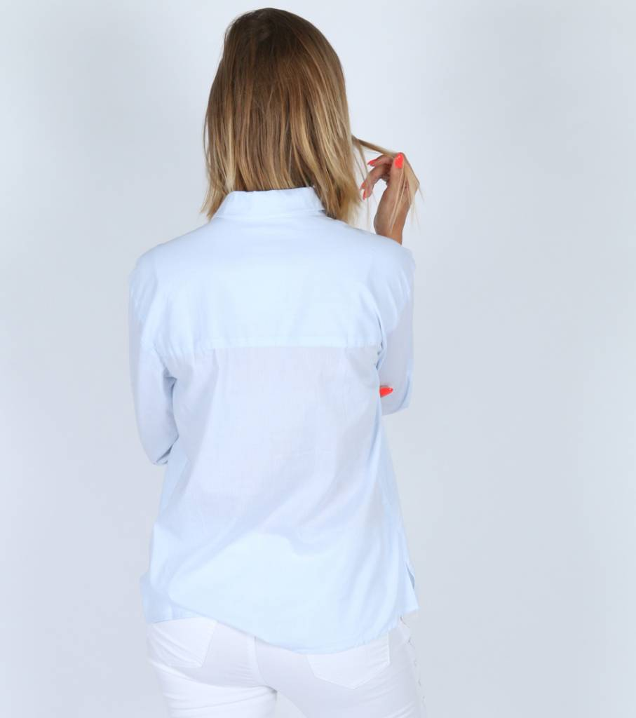 WITTY WHITE BLUE CHEMISE