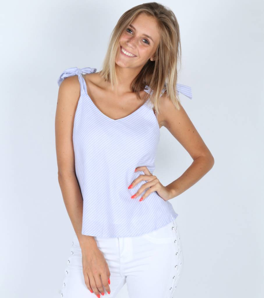 KNOT STRAP BLUE TOP