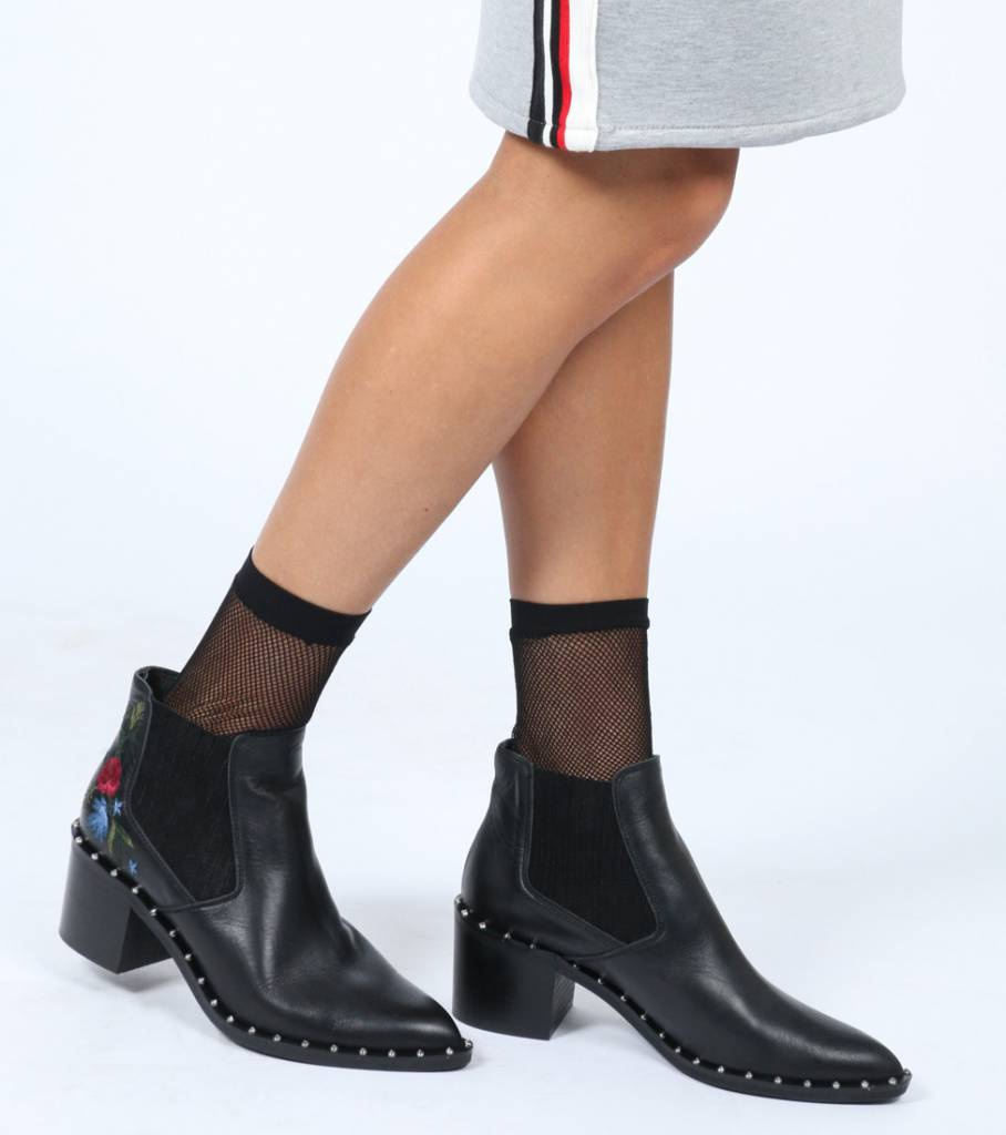 STUDS AND ROSES BOOT