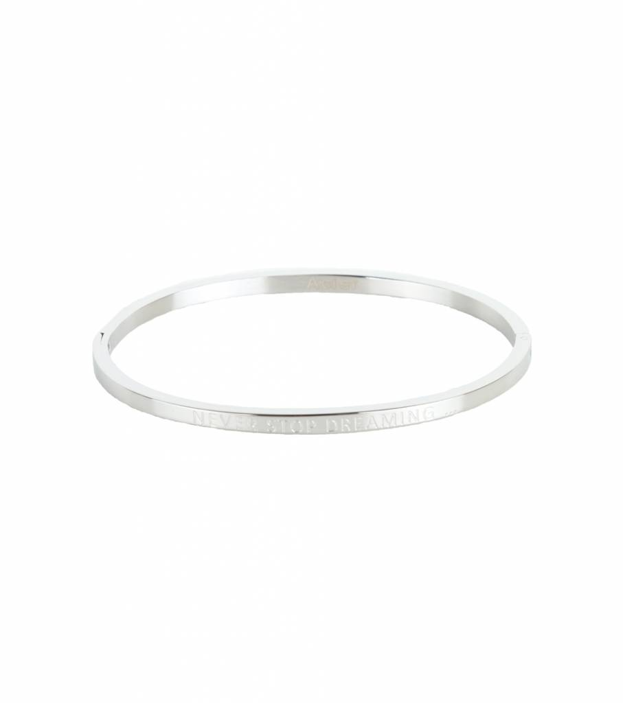 NEVER STOP DREAMING BANGLE SILVER