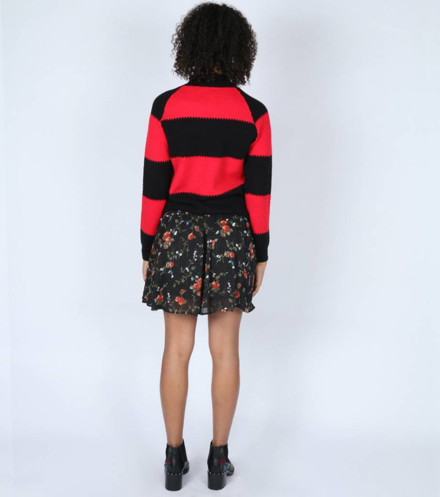 BLACK/RED STRIPED SWEATER