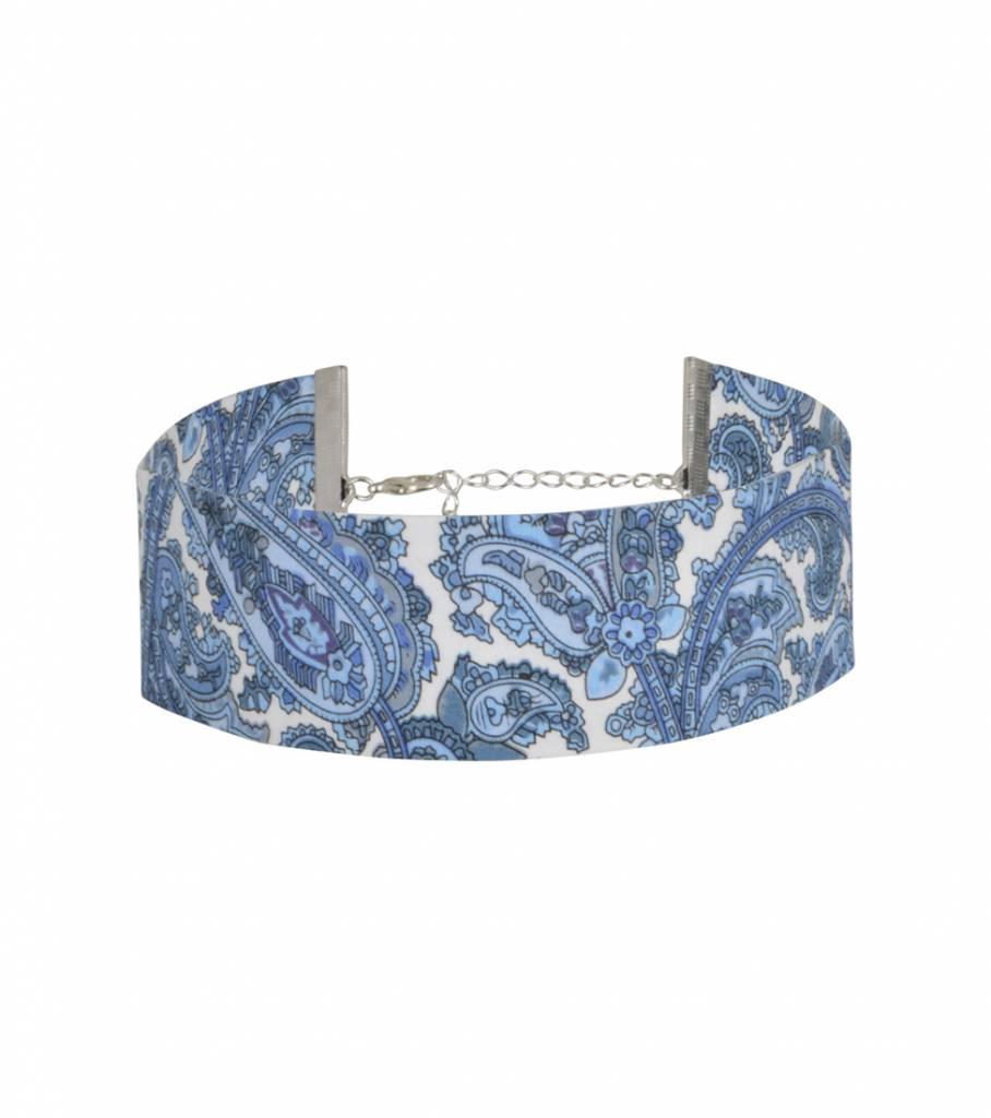 BOLD BANADANA CHOKER BLUE WHITE