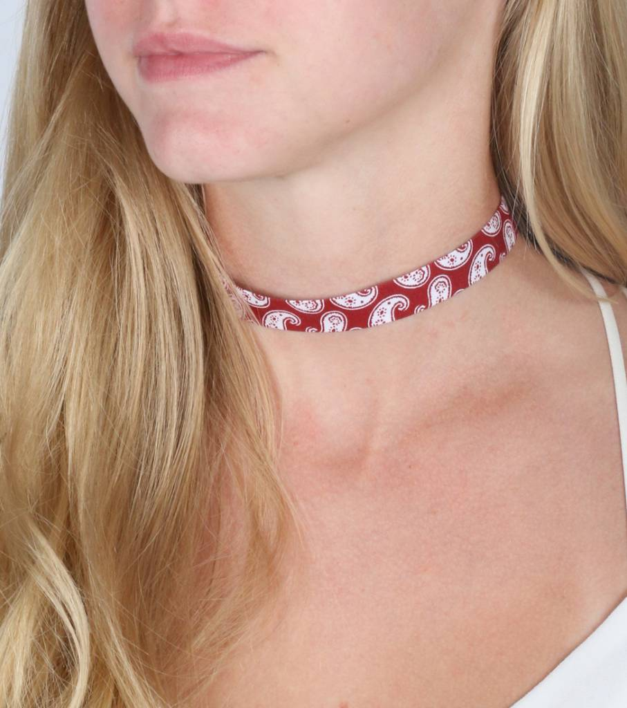 BANDANA RED CHOKER