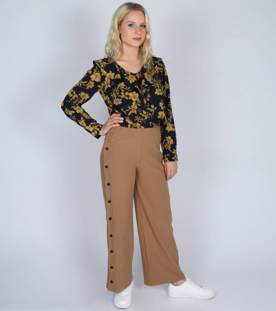 LOVE AT FIRST SIGHT BUTTONED PANTS