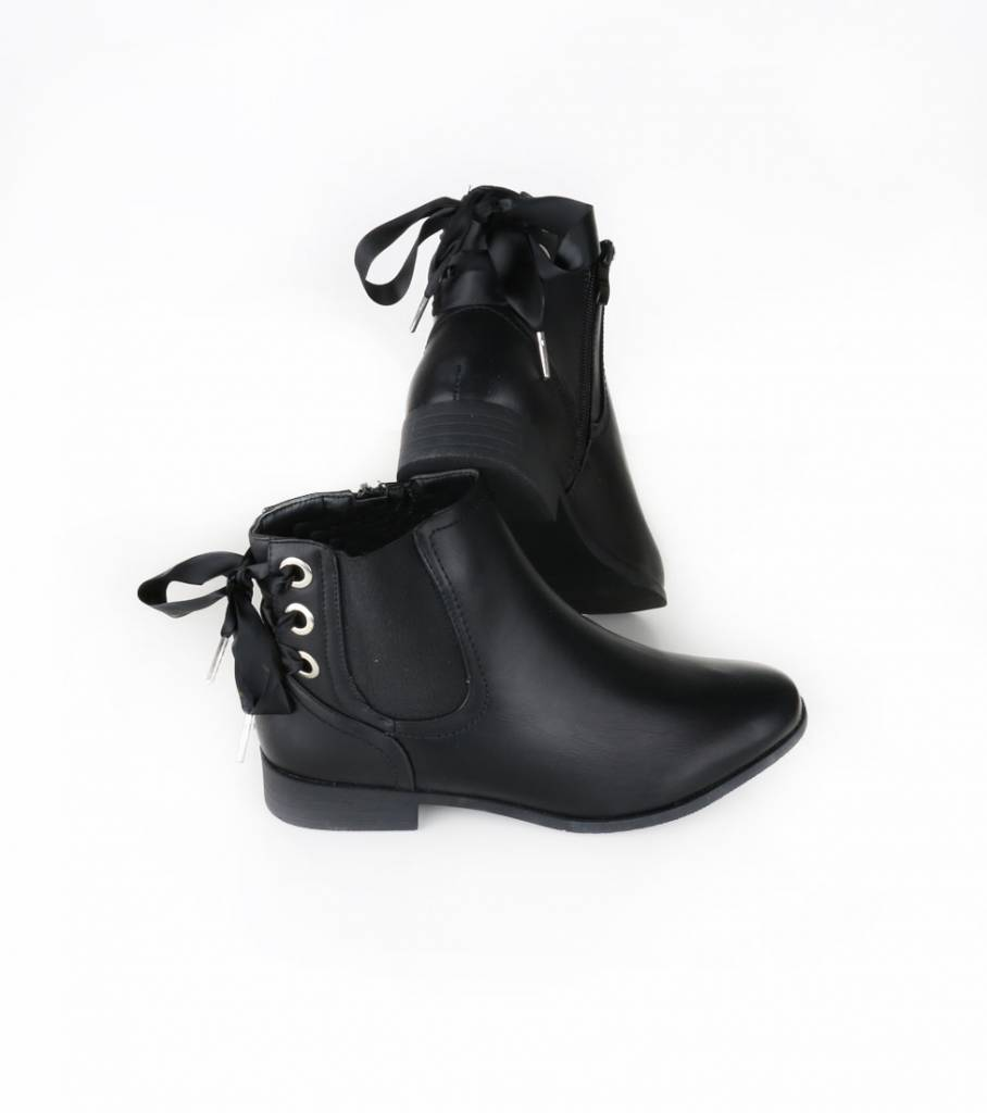 BOW TIE AFFAIR ANKLE BOOT