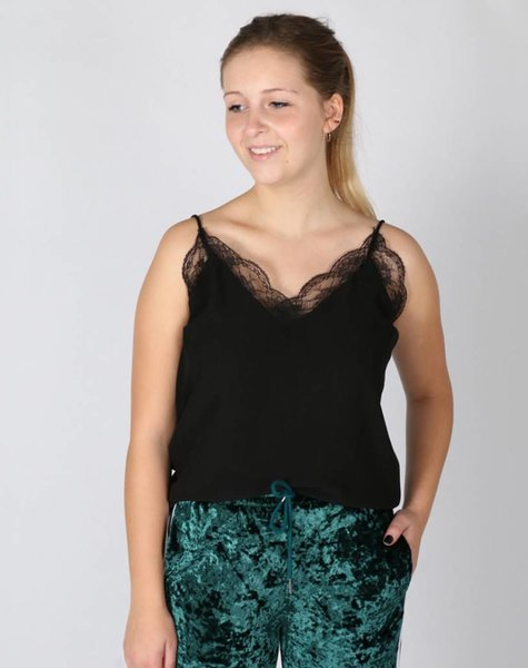 FAVORITE LACE TOP BLACK