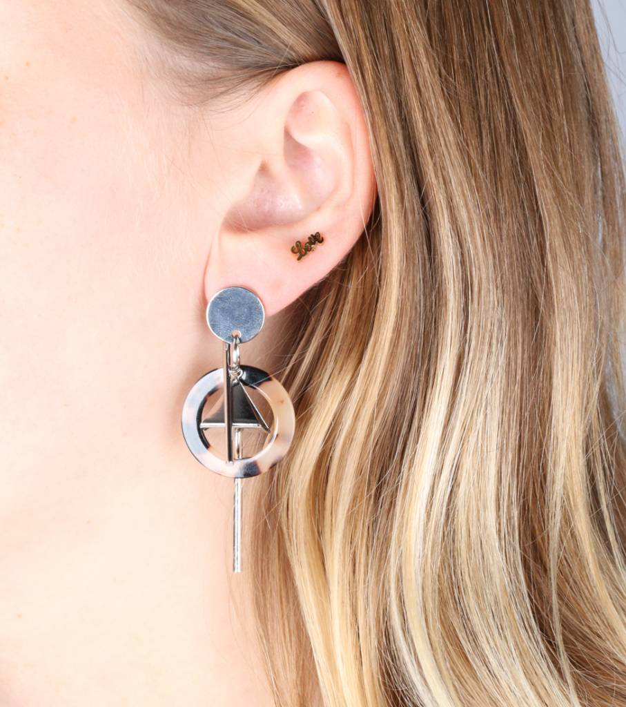 TRIANGLE SWING MARBLE EARRING