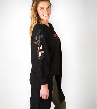 BLACK EMBROIDERED VEST