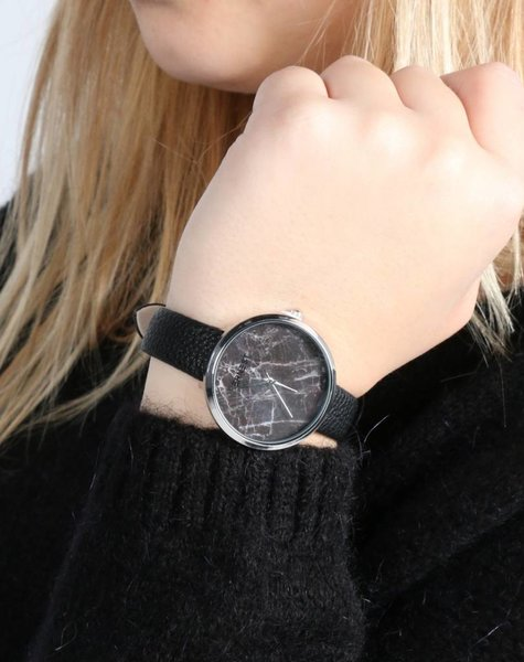 LOOK AT THAT MARBLE BLACK WATCH
