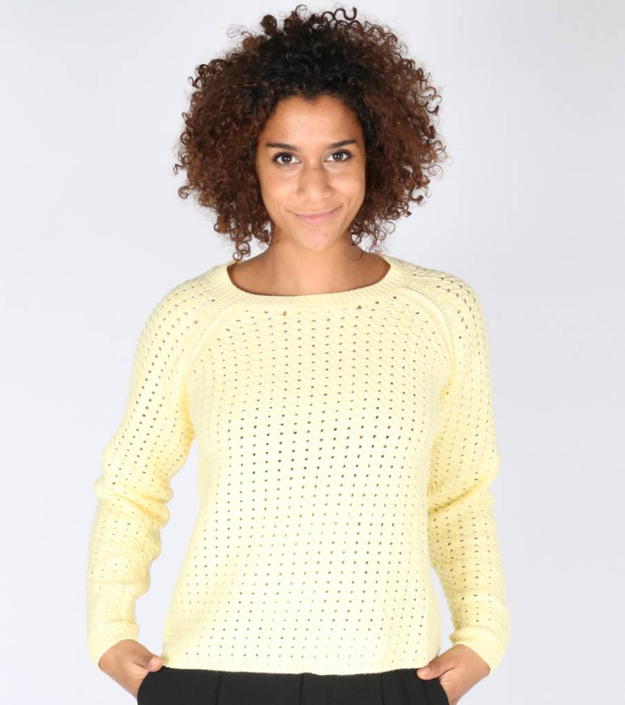 LEAVE A LIGHT SPARKLE YELLOW SWEATER