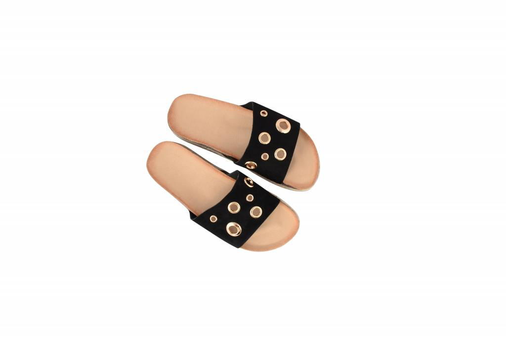 RINGS AND THINGS BLACK SANDAL