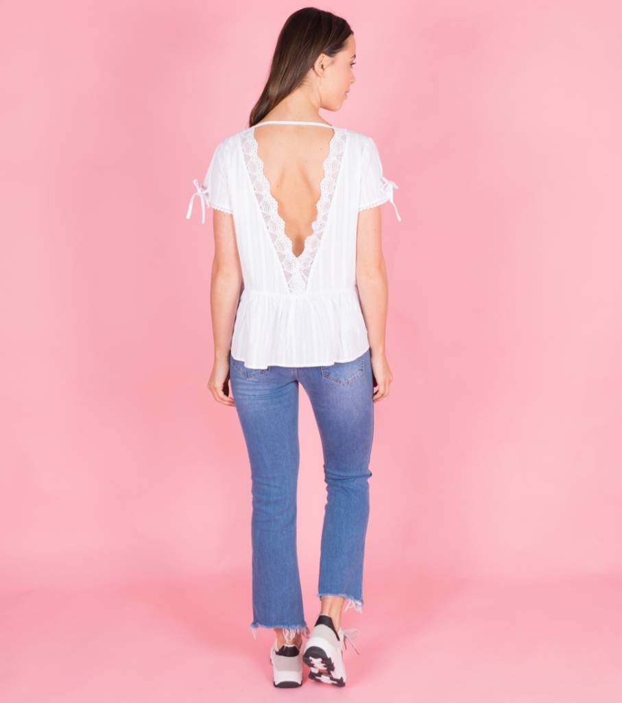 PLUNGE RUFFLED WHITE LACE TOP