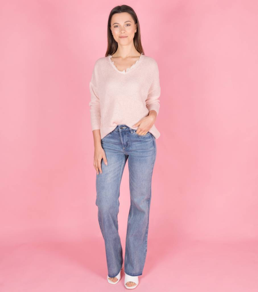 CUT FLARED LIGHT JEANS