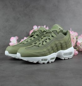 Nike Air Max 95 Essential c160c4e4ded0