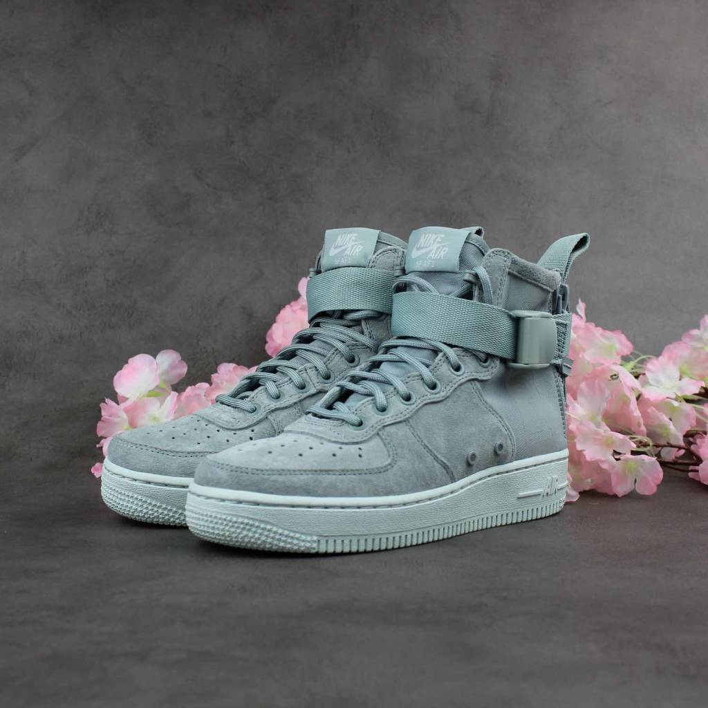 Nike SF Air Force 1 Mid WMNS (Light Pumice) AA3966-006
