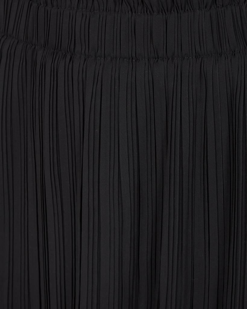 Minimum Zwarte Plooi Rok Eleonora