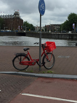 Fiets met fietskrat
