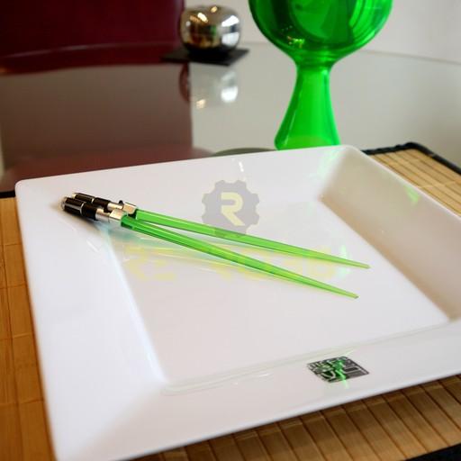 Star Wars - Yoda Lightsaber Chopsticks