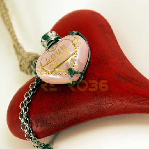 Harry Potter - Love Potion Pendant
