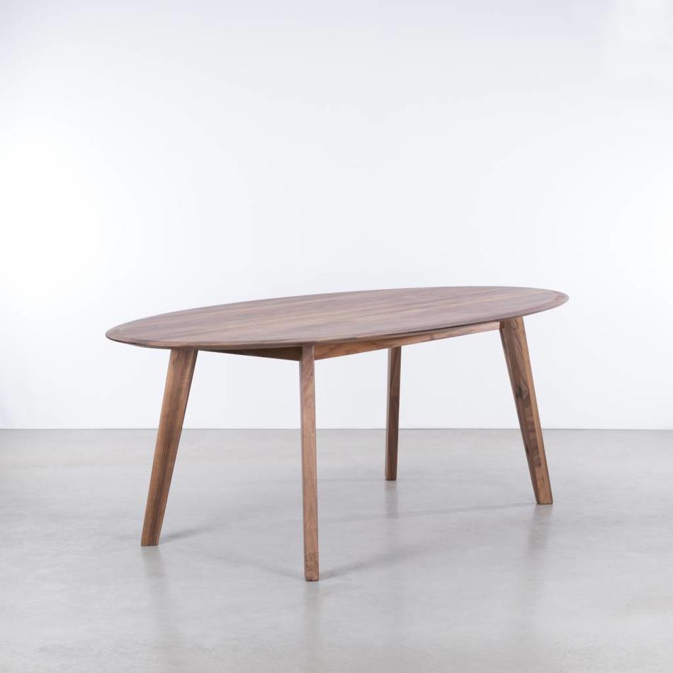 Sav okse samt ovale tafel walnoot de machinekamer for Ovale tafel
