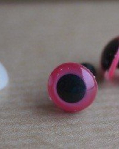 Oogjes rond pink