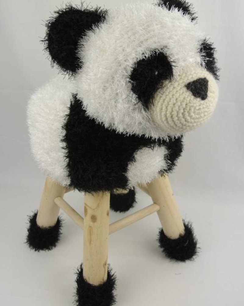 Haakpakket dierenkruk panda