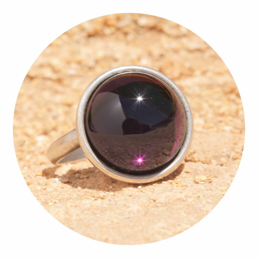 ring mit einem cabochon in amethyst violett artjany kunstjuwelen. Black Bedroom Furniture Sets. Home Design Ideas