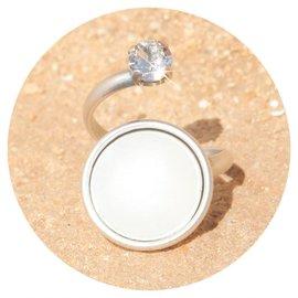 R-M129 white opal