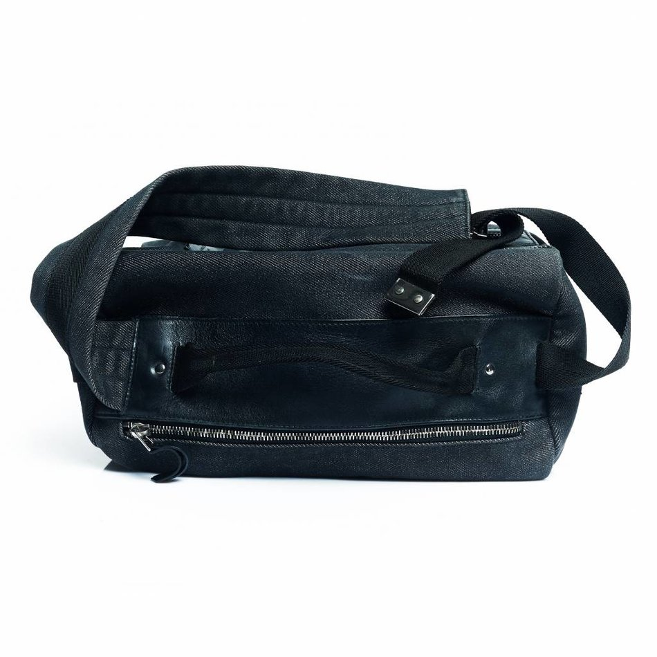 Gucci  Denim travel toiletry bag. Fashion Godfather   Pre owned but still loved  authentic designer