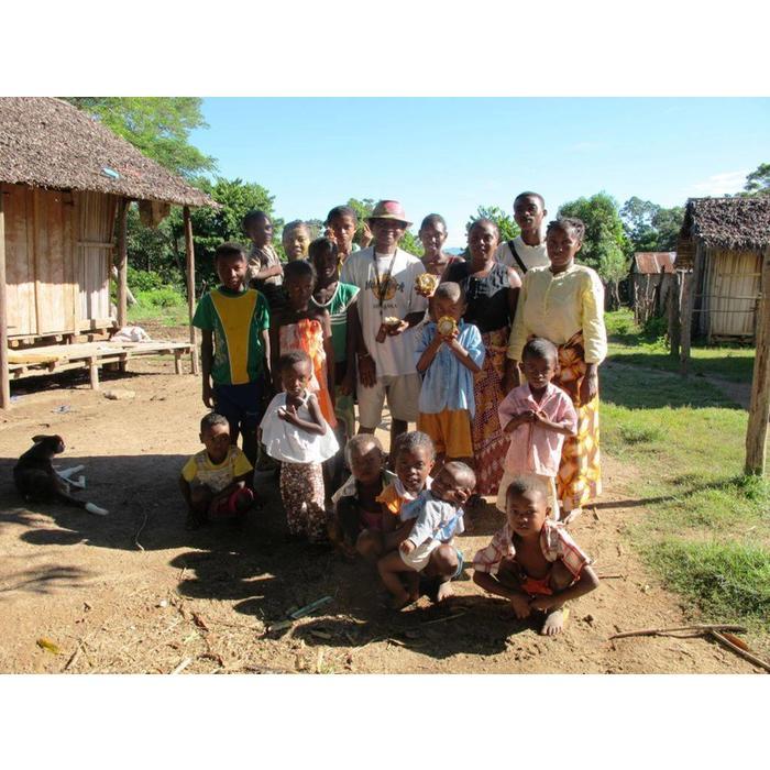 - GROßE Sammlung   12 verschiedene Schokoladen aus Madagascar   Chocolaterie Robert Malagasy, 13 x 85g